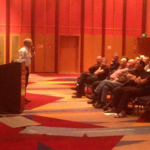 איתן מאירי בהרצאת הפתיחה בסמינר - אגודת מהנדסי הבטיחות